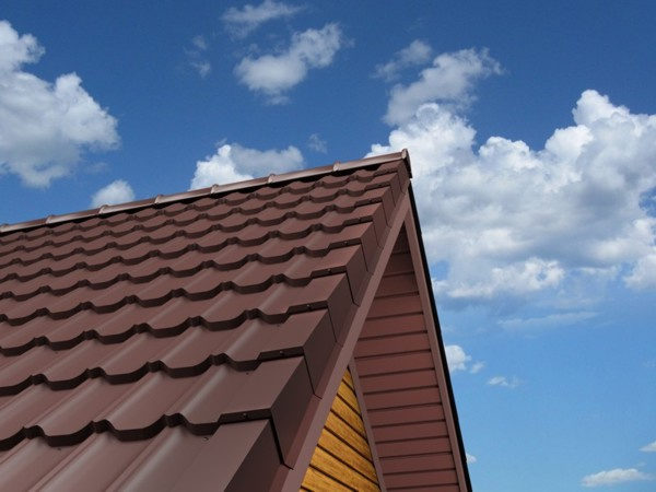 Металлочерепица Kvinta plus для двухскатной крыши