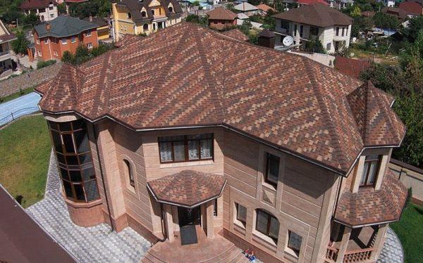 Гибкая черепица Ультра Фокстрот для крыши двухэтажного дома