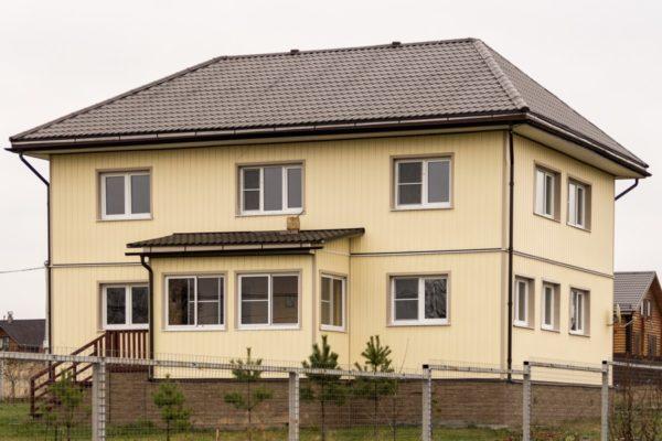 """Виниловый сайдинг """"Классика"""" (GL) для двухэтажного дома"""
