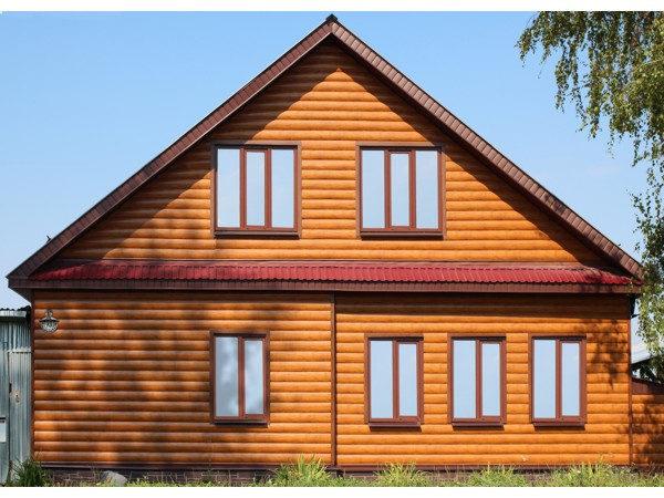 """Сайдинг под бревно """"Блок-хаус"""" (GL) для дома с мансардой"""