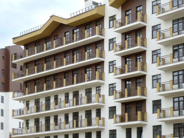 """Металлический сайдинг """"Корабельная доска"""" (GL) для многоэтажных домов"""